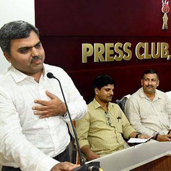 Press-club1